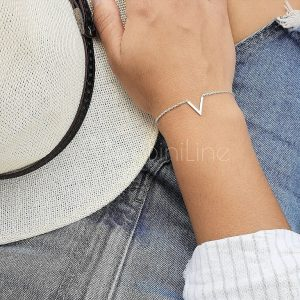 V silver plated bracelet